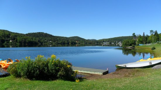 Chalets Chanteclair Villegiature-Resort : The lake