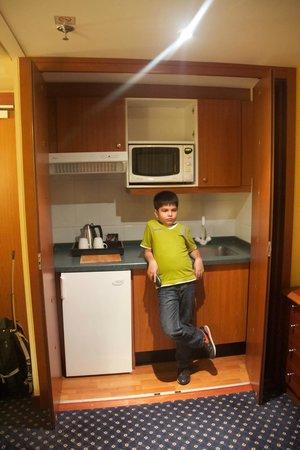 Crowne Plaza Paris - Neuilly: Living Room Kitchenette - Junior Suite