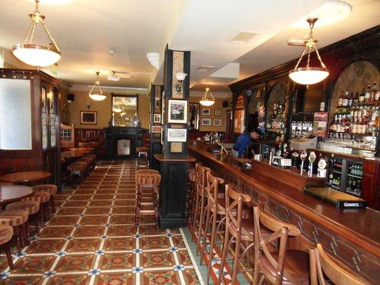 Blarney Castle Hotel: Hotel bar (Johnnys).