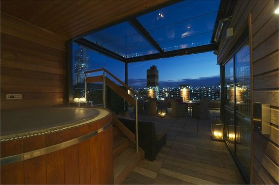 Hotels In Manchester With Hot Tub In Room
