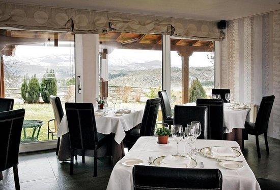 Restaurante el milano real hoyos del espino omd men om for Sala mirador