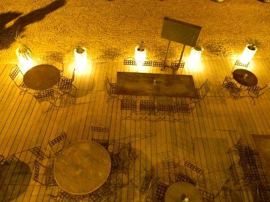 Les remparts : terrasse la nuit