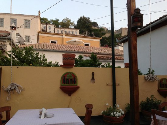 Taverna Gitoniko: Rooftop View