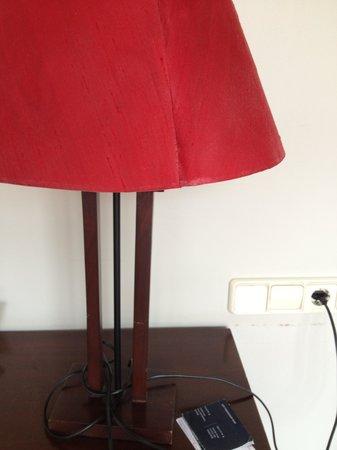 Aisia Kresala Hotel : lamparas