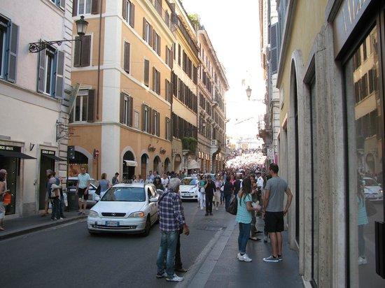 Crossing Condotti: Where is it?