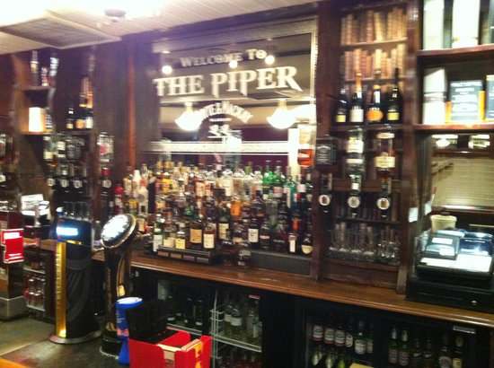The Piper Bar Glasgow: Great, relaxing pub with fantastic food and drinks !!!!