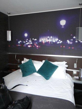Hotel Lumières Montmartre Paris: Bedroom