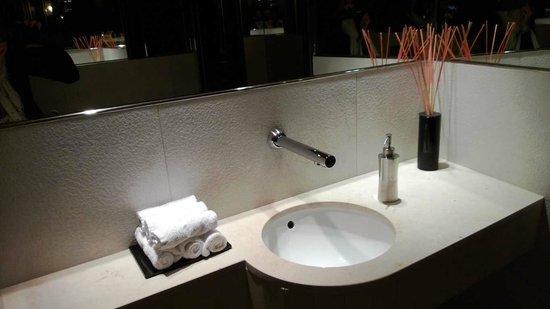 Gästetoilette waschbereich auf der gästetoilette picture of maison albar hotel