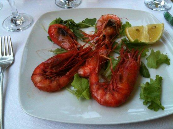 Ristorante Pizzeria Da Gennaro: €26 ($40) for 6 odd medium (They called them King prawns) tourist rip off Go to La Cambusa good