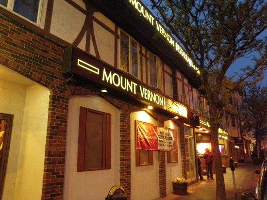 Mount Vernon Restaurant: Outside