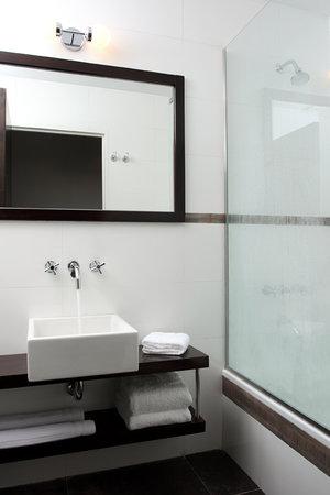 Moreno Hotel Buenos Aires: Bathroom