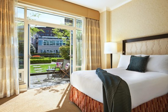 Fairmont Waterfront: Fairmont Terrace Room