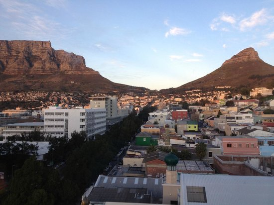 Hilton Cape Town City Centre: View of the Lion's head from my room