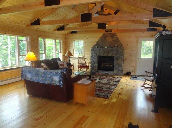 Bear Tree Cabins, Pittsburg NH