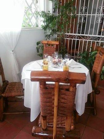 La Mata Rosada: Vista de mesa típica