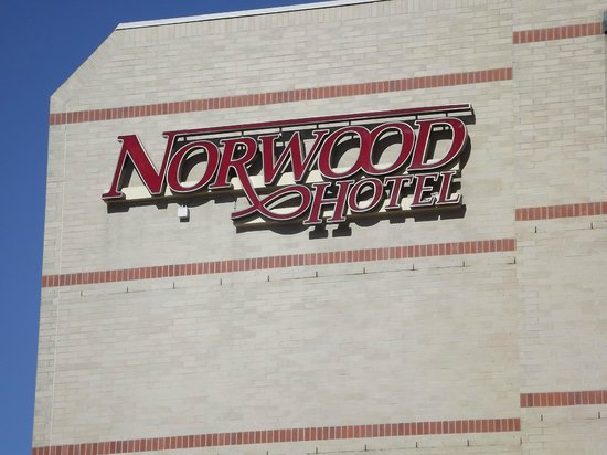 Norwood Hotel: Netjes aan de buitenkant.