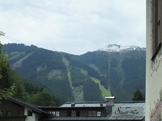 Hotel St. Georg: View of the mountain from room