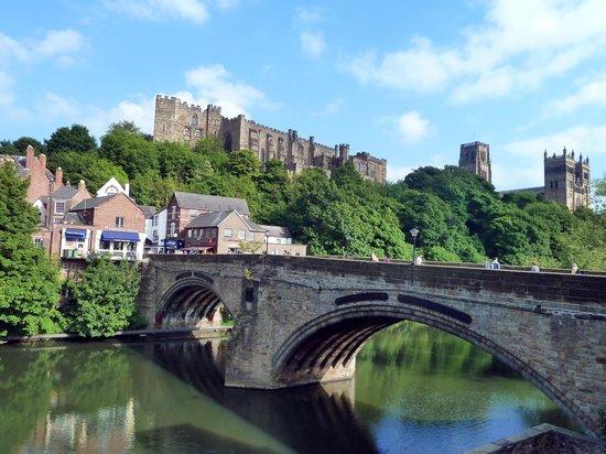 Palace Green : View of Durham from Framwellgate Bridge