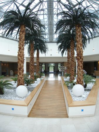 Novotel Roissy CDG Convention & Spa: Entrance / Reception Area