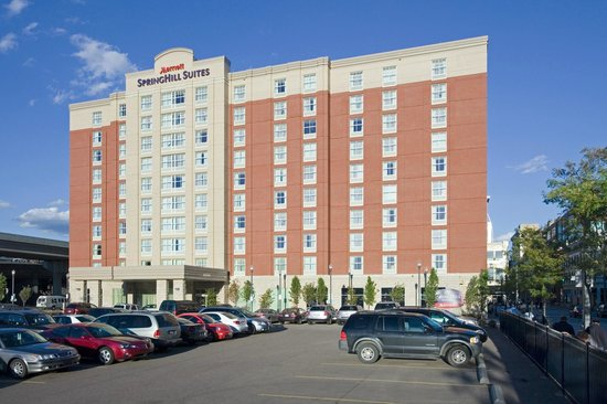 SpringHill Suites North Shore: High rise hotel with outdoor parking