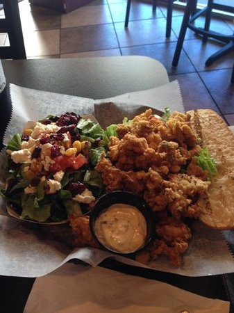 Lola's Seafood Eatery: Oyster Po' Boy!