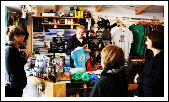 Dingle Surf: Finn McCool's Surf Company & Surf School