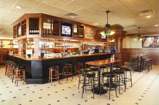 Minerva's Grill And Bar: Minervas Bar