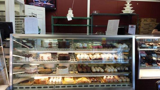 Cinotti's Bakery : Interior