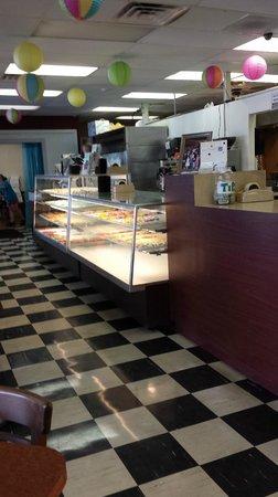 Cinotti's Bakery: Interior