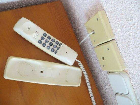 Hostal Descalzos: telefono