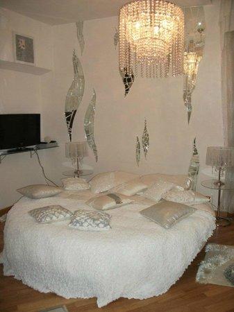 International Guest House - Fermati che e tardi!: Cristal Room