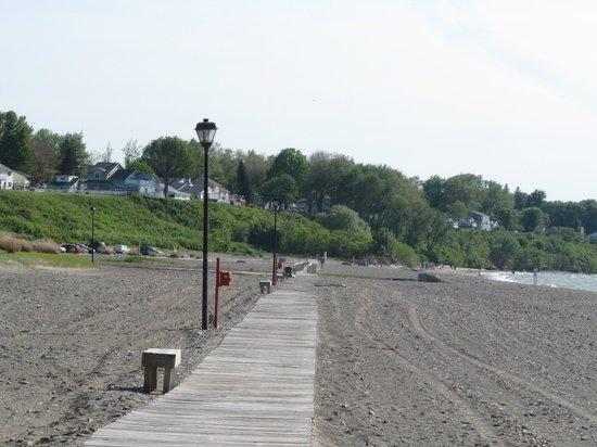 Conneaut Township Park: Board Walk on the beach
