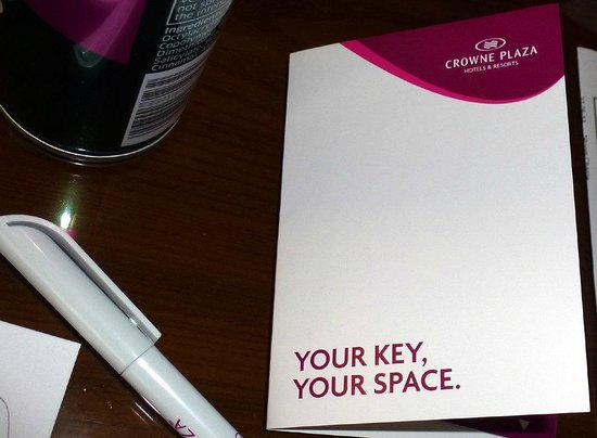 Crowne Plaza Manchester Airport: Fatuous: it's just a key card, for Heaven's sake!