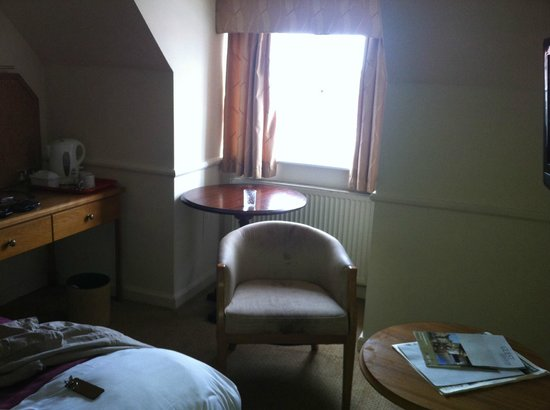 The Bear Hotel: This is not a well furnished room for £80