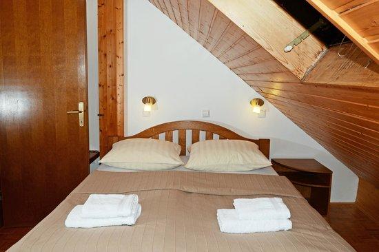 Apartmaji Kaja: Bedroom