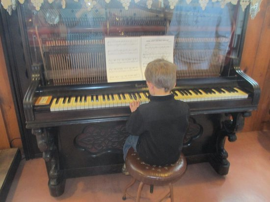 Door County Historical Museum: piano