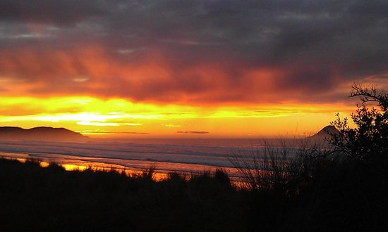 Ohope Beach TOP 10 Holiday Park: Ohope sunset