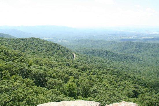 Humpback Rocks Visitor Center and Mountain Farm: View from Humpback Rock