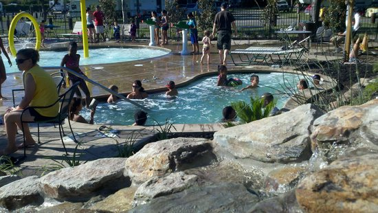Yogi Bear's Jellystone Park™ Camp-Resort: Tower Park : time in the pool
