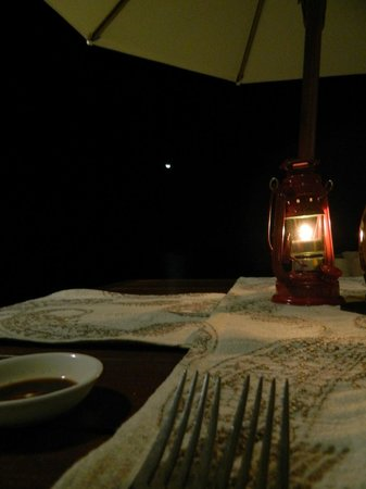 The Oberoi, Mauritius: Dining on the beach.