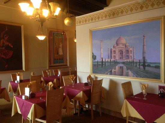 Saber's Taste of India: Dining room