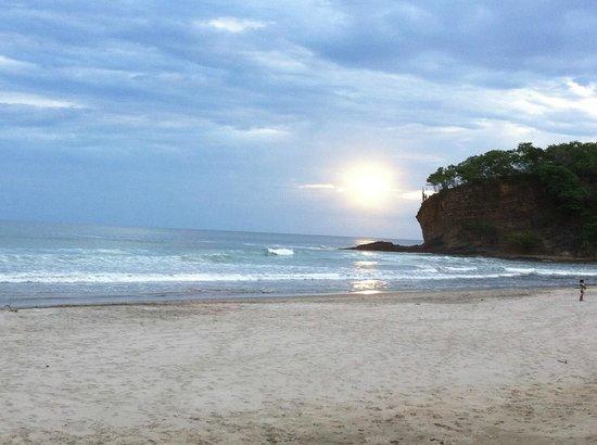 Parque Maritimo el Coco : Bellisima playa