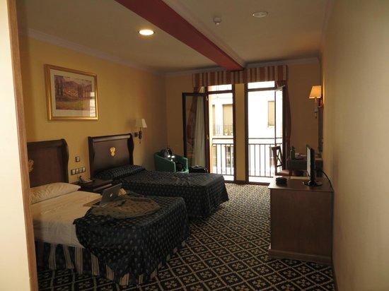 Agora Juan de Austria: double room with balcony