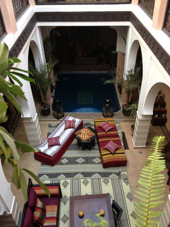 Riad La Rose D'Orient: relax by the pool