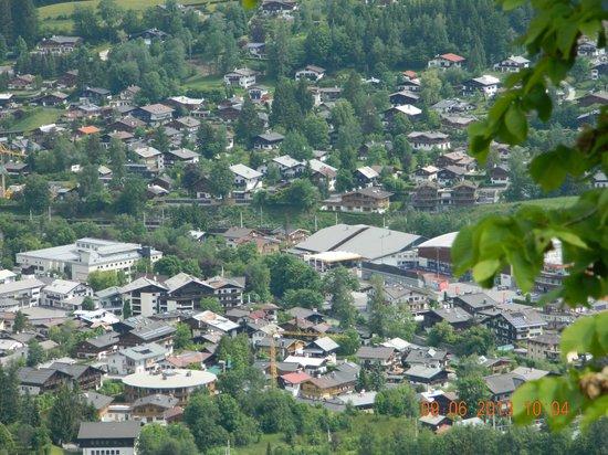 Hotel Schwarzer Adler: Kitzbuhel from Hahnenkamm Mountain
