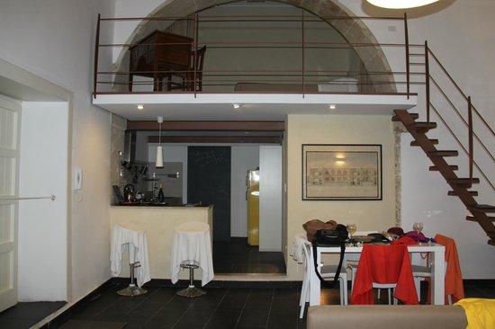 cucina e soppalco - Foto di 1743 LOft, Siracusa - TripAdvisor