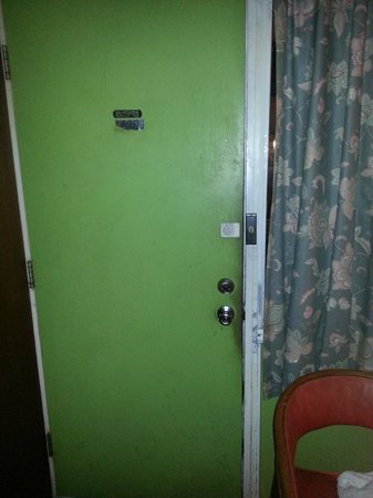 Riviera Motel: Real sense of security!