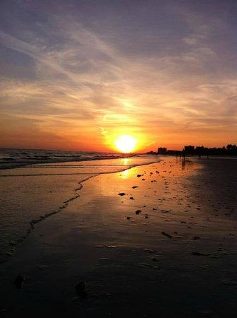 The Sea Gypsy Inn : Fort Myers Beach Sunset