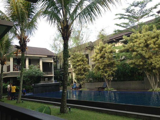 Summer Hill Private Villas & Hotel: inside the bungalows area
