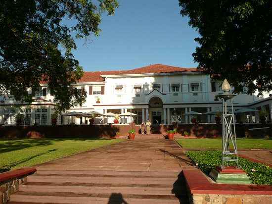 The Victoria Falls Hotel: Back of the hotel, falls behind me.